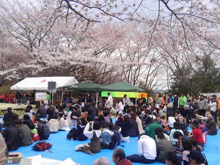 長命館公園さくら祭りの様子