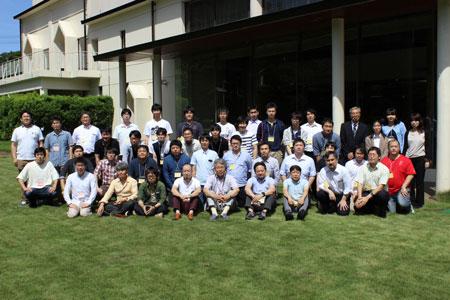 技術発表会の集合写真