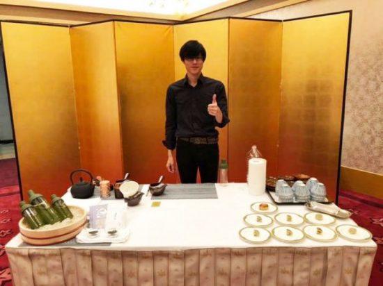 茶の定期販売の様子